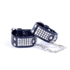 33-00094 cuffs with diamonds 1